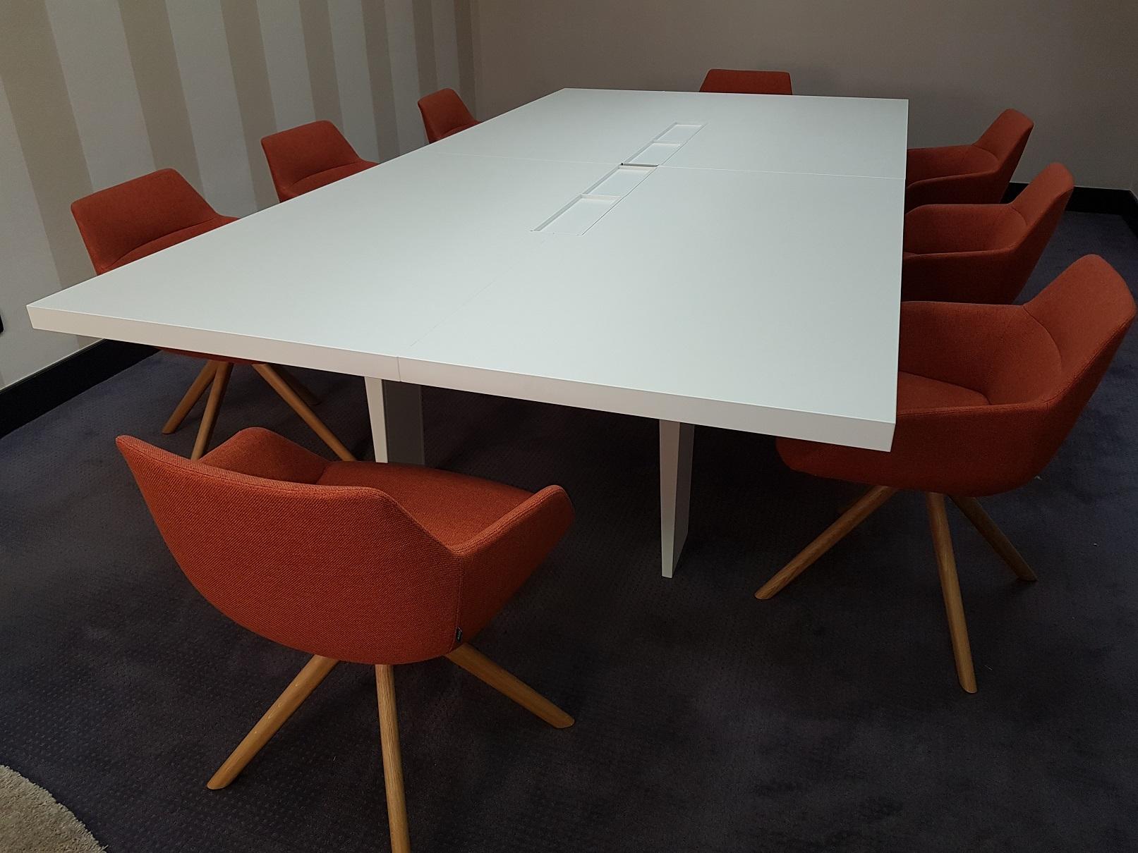 Proyectos de oficina en Sevilla: Decoración de salas de reuniones