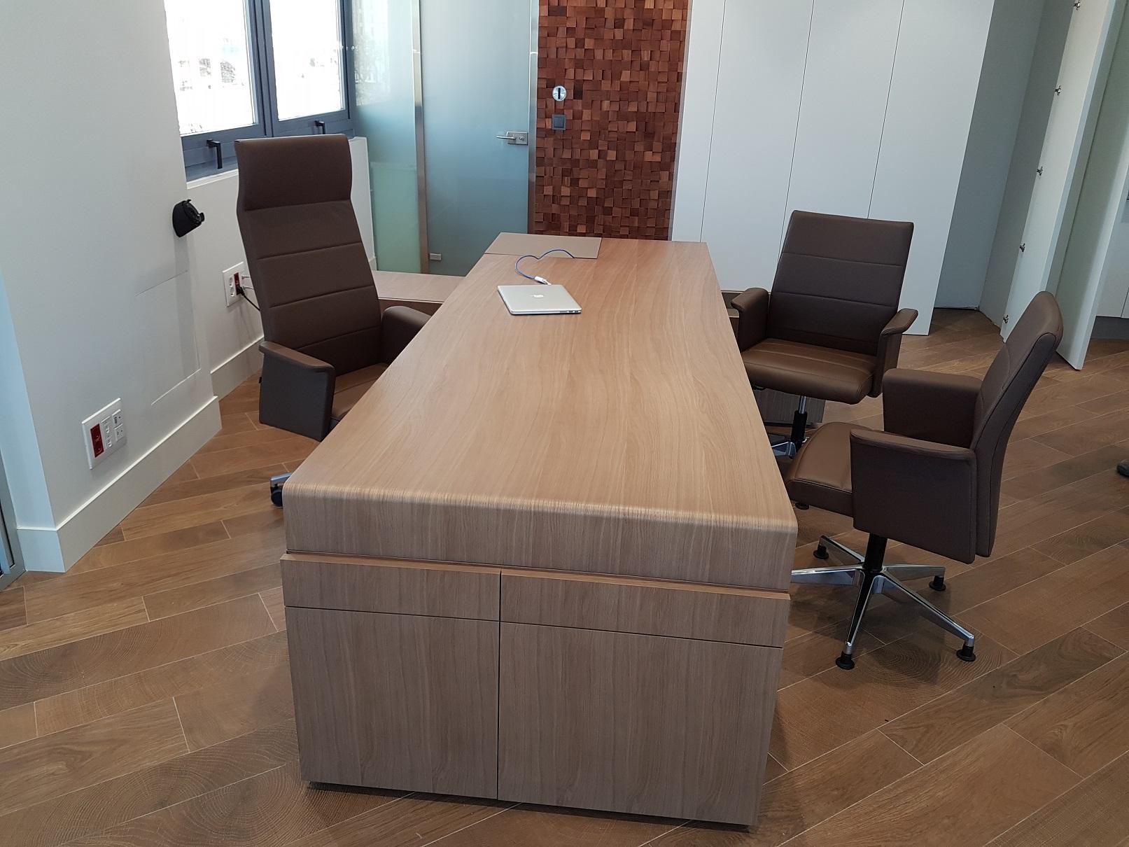 Proyectos de oficina en Sevilla: Escritorios para oficinas y despachos