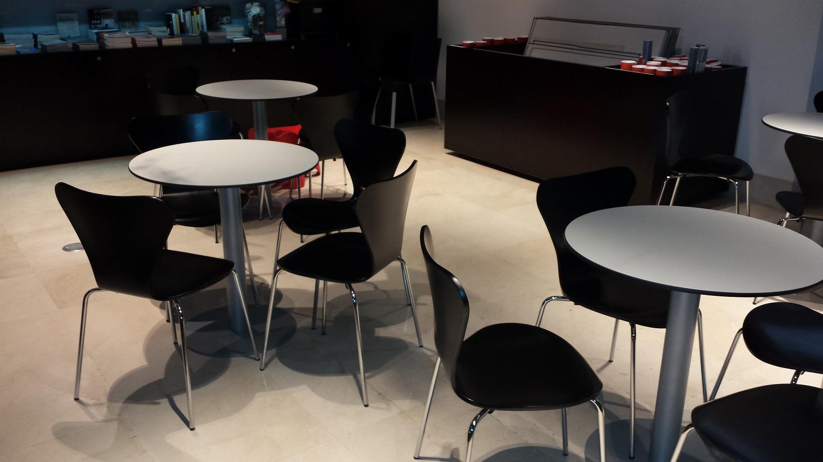 Proyectos de oficina en Sevilla: Mobiliario para zonas de trabajo