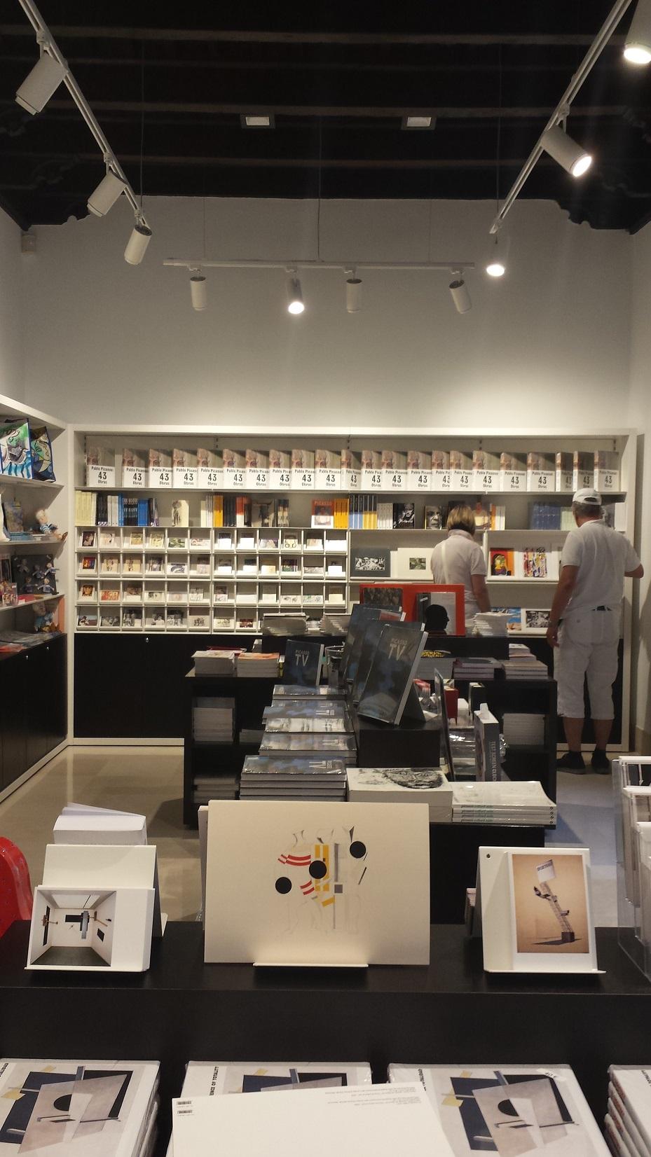 Proyectos de oficina en Sevilla: Diseño y decoración interior de tiendas