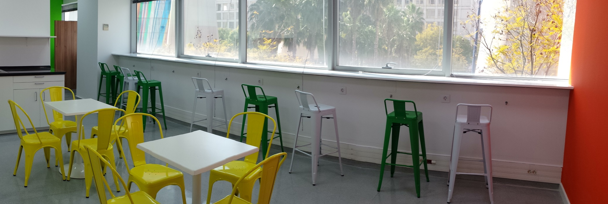 Proyectos de oficina en Sevilla: Diseño dinámico de interiores