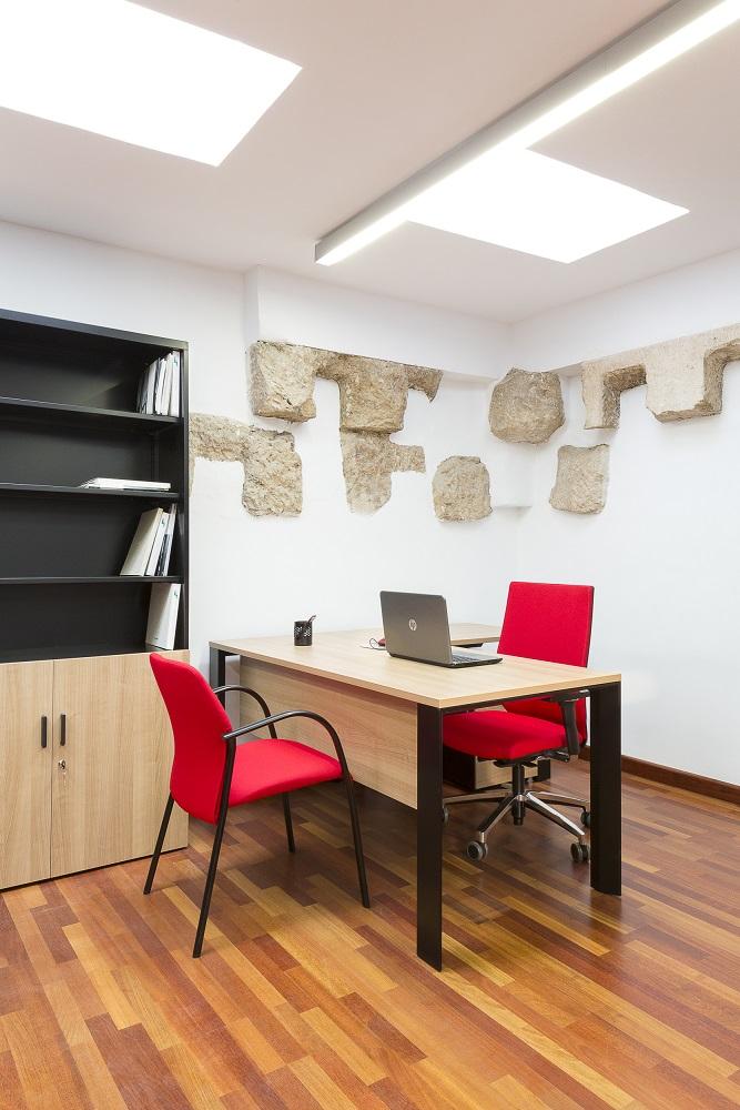 Proyectos de oficina en Sevilla: Decorado de espacios de trabajo públicos
