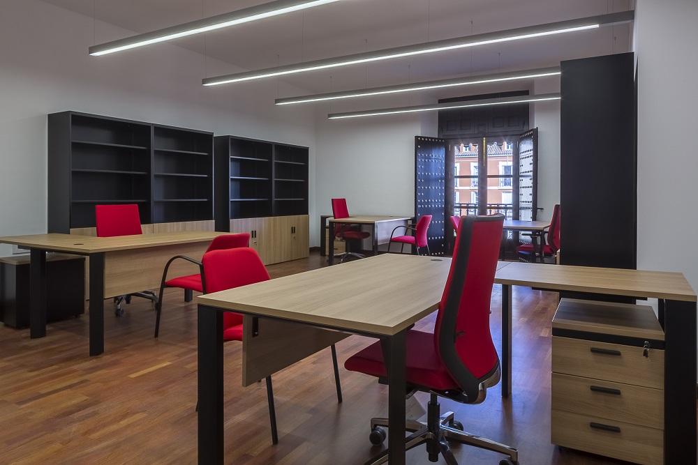 Proyectos de oficina en Sevilla: Mobiliario para despachos