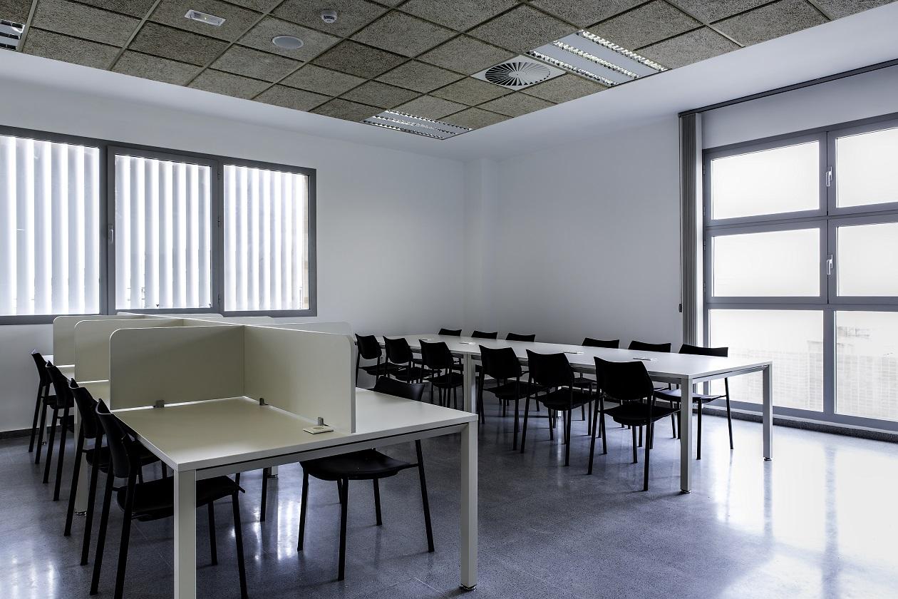 Proyectos de oficina en Sevilla: Mobiliario para bibliotecas