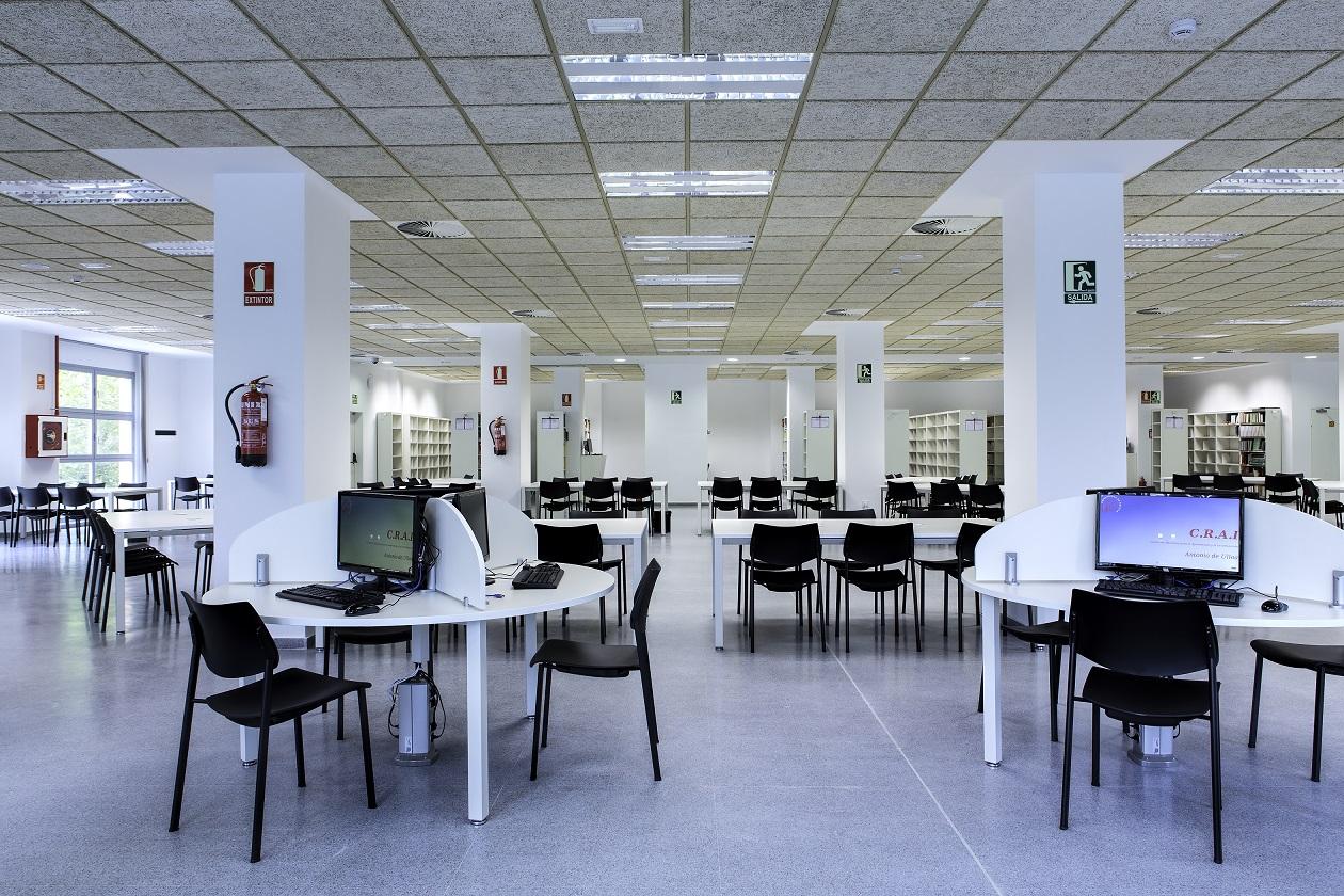 Proyectos de oficina en Sevilla: Decorado de bibliotecas